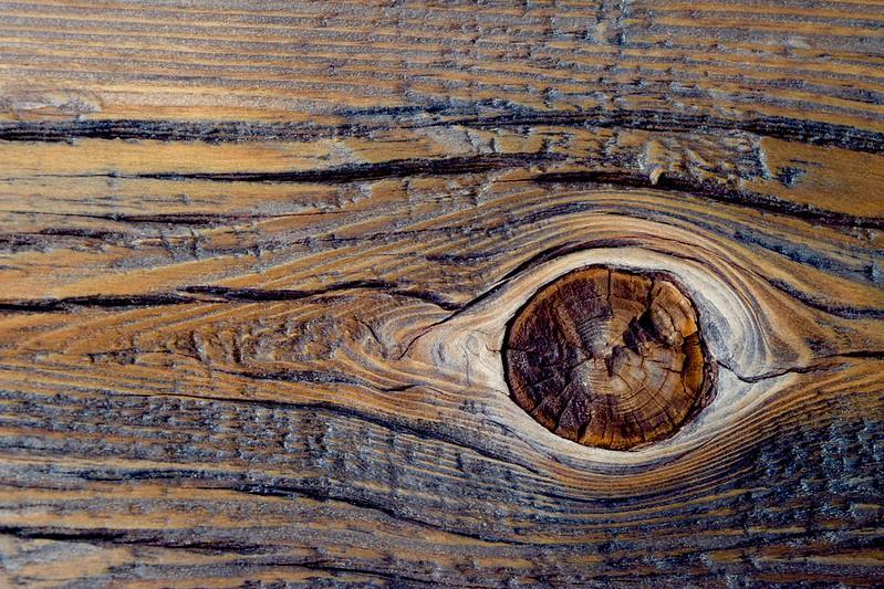 Wax polish wood